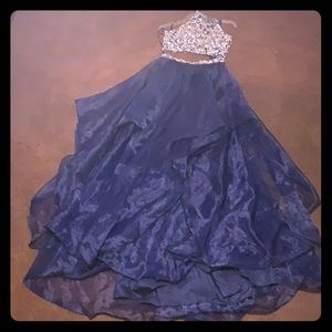 Long 2 piece glam formal/prom dress size 8